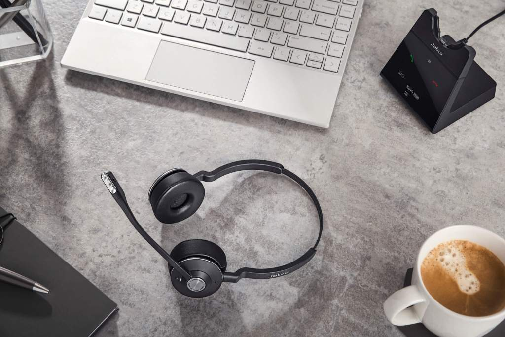 Jabra desk set up